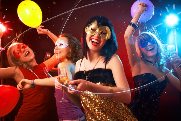 cómo organizar una fiesta temática