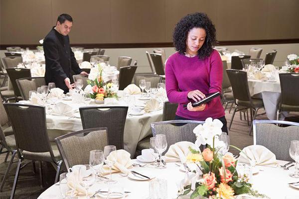 5 tips para economizar el presupuesto de tu evento empresarial